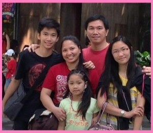 Mommy Christine with Juliana, Joseph, Cammille and Daddy Richard Villarama