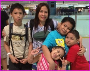 Mommy Mary Ann Manlangit with Ryann, Lowell, Reagan and Katkat